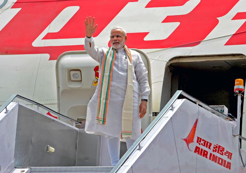 34 साल लग गये UAE जाने मे : भारतीय प्रधानमंत्री नरेंद्र मोदी दो दिवसीय यात्रा पर रवाना