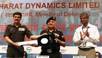 Ceremonial exchange of key of Akash Weapon System by the Chief of Army Staff, General Dalbir Singh to the DG, AAD, at the dedication ceremony of Akash Weapon System to the Indian Army, in New Delhi on May 05, 2015.