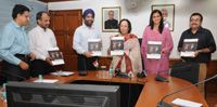 """The Union Minister for Minority Affairs, Dr. Najma A. Heptulla launching the annual report """"State of the World's Mothers"""", in New Delhi on May 05, 2015."""