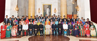 The President, Shri Pranab Mukherjee in a group photograph with the member of Youth Delegation from Bangladesh, at Rashtrapati Bhavan, in New Delhi on October 06, 2015.