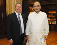 The MP, UK, Secretary for State for International Trade, Dr. Liam Fox meeting the Union Minister for Finance and Corporate Affairs, Shri Arun Jaitley, in New Delhi on August 29, 2016.