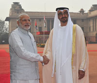 The Crown Prince of Abu Dhabi, His Highness Sheikh Mohammed Bin Zayed Al Nahyan being welcomed by the Prime Minister, Shri Narendra Modi, at the Ceremonial Reception, at Rashtrapati Bhavan, in New Delhi on February 11, 2016.