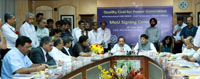 The Union Minister for Science & Technology and Earth Sciences, Dr. Harsh Vardhan and the Minister of State (Independent Charge) for Power, Coal and New and Renewable Energy, Shri Piyush Goyal witnessing the signing ceremony of a tripartite MoU regarding third party sampling between CSIR-CIMFR (Central Institute of Mining and Fuel Research), NTPC and Coal India Limited, in New Delhi on June 28, 2016.