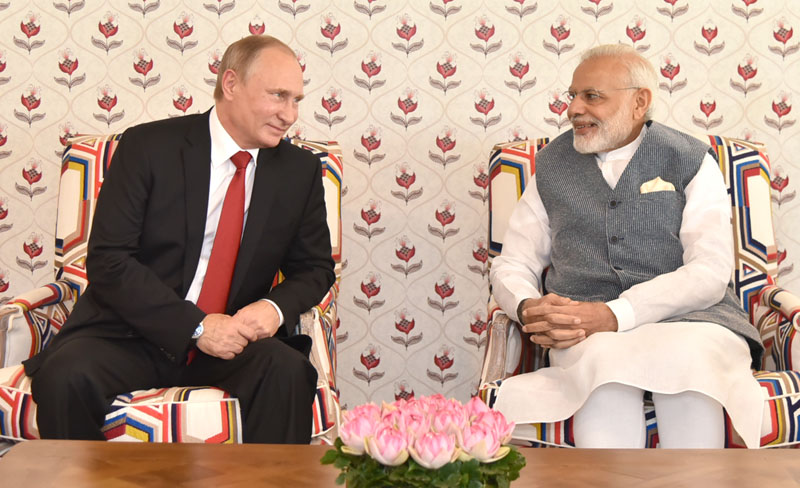 India, Russia ink investment pacts on infrastructure, Kamov choppers