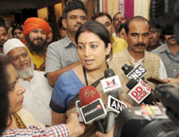 The Union Minister for Textiles, Smt. Smriti Irani interacting with the media, at the Indian Craft Mela Mega Exhibition-cum-Sale, in New Delhi on October 22, 2016.  The Minister of State for Textiles, Shri Ajay Tamta and the Member of Parliament, Smt. Meenakshi Lekhi are also seen.