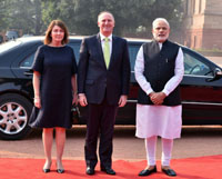 The Prime Minister of New Zealand, Mr. John Key being received by the Prime Minister, Shri Narendra Modi, at the Ceremonial Reception, at Rashtrapati Bhavan, in New Delhi on October 26, 2016.
