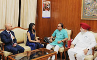 A Canadian delegation led by Ms. Bardish Chagger, Government House Leader and Minister of Small Business and Tourism of Canada, meeting the Union Minister for Chemicals & Fertilizers and Parliamentary Affairs, Shri Ananth Kumar, in New Delhi on March 28, 2017.