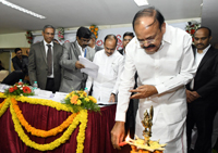 The Vice President, Shri M. Venkaiah Naidu lighting the lamp an event to meet the Members from Advocates Associations of Andhra Pradesh & Telangana, in Hyderabad on November 20, 2017. The Deputy Chief Minister of Telangana, Shri Mohammad Mahmood Ali and other dignitaries are also seen.